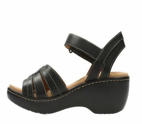 3ba723549c7f82 Clarks Women Delana Varro Black Leather Sandal