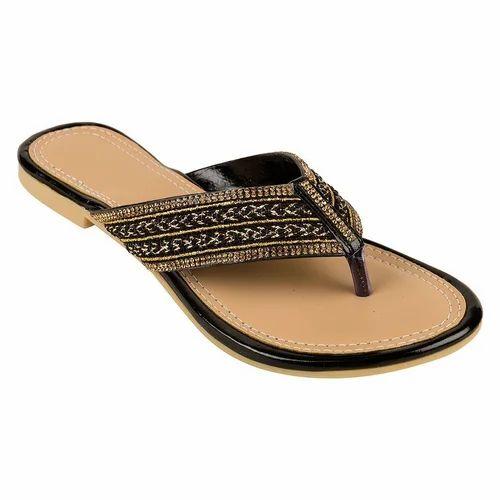 a1b56425db0 Casual Wear Ladies Visteria V Shape Patti Black Sandal