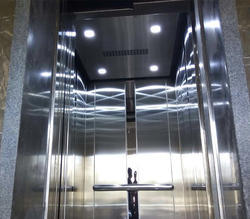 Traction S. S. Centre Opening Autodoor Elevators