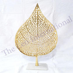 Aluminium Decorative Stand Leaf Golden Finish Christmas Decoration Item