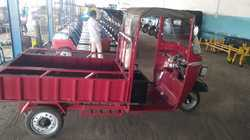 Paint Coated Loader E Rickshaw