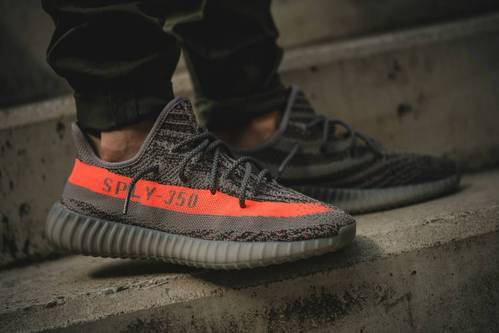Yezzy sply 350 Shoes at Rs 2800/pair