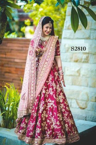 78d359bf11088 Velvet Pink Bridal Lehenga Choli With Heavy Lace Work On Dupatta, Rs ...