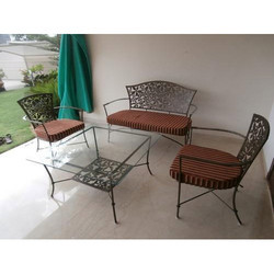 Astounding Modern Guest Room Iron Chair Set Beatyapartments Chair Design Images Beatyapartmentscom