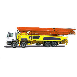 Truck Mounted Concrete Pump With Boom Placer