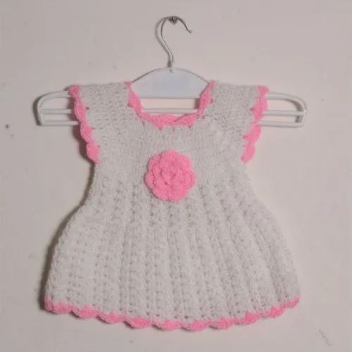 c14b781e1 100% Acrylic Casual Wear Kids Sleeveless Hand Knitted Frock