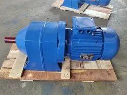 j s Three Phase gear motor, Voltage: 440
