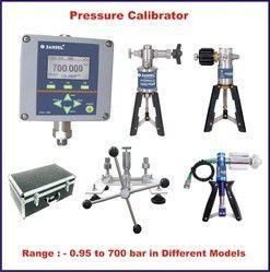 Pressure Calibrator with HP 02A Pump