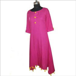 Cotton 3/4th Sleeve Ladies Designer Kurti, Machine wash