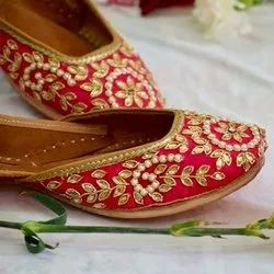 Women Pure Leather Punjabi Jutti