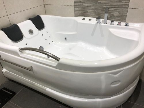 Off White Jacuzzi Whirlpool Bathtubs Rs 98000 Piece K K