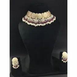 Ladies Naturfal Uncut Diamond Polki Stone Necklace Set In 22 Ct Gold .