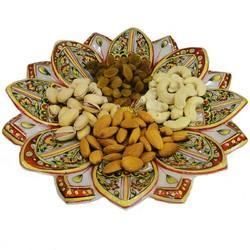 Metal Pooja Craft & Embroidery Handicraft Trays