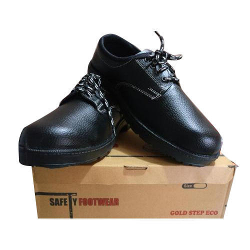 Safety Shoes, Packaging Type: Box