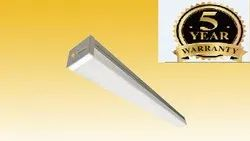 Charismatic Polycarbonate 10 W LED Batten