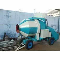 Diesel Engine Concrete Reversible Mixer Machine, Output Capacity: 480 Liters