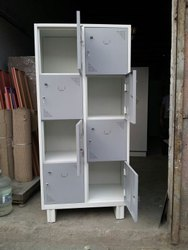 Cabinet with 8 Locker