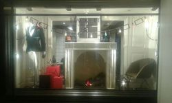 Shop Window Displays - Xmas Window Displays