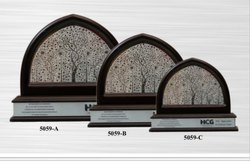 Black Frame Award, Packaging Type: Box