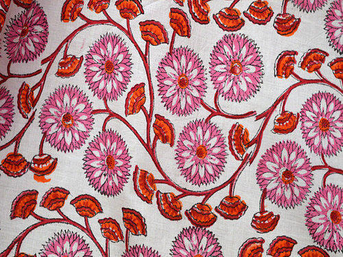 White Vegetable Dye Soft Cotton Fabric With Floral Printed