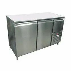 For Commercial Kitchen Metal Door Stainless Steel Undercounter Refrigerator, Capacity: 400 Liter, 2 ~ 10 Degree Celsius
