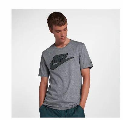 the latest 883a6 87d49 Men T-Shirt Nike Sportswear Archive