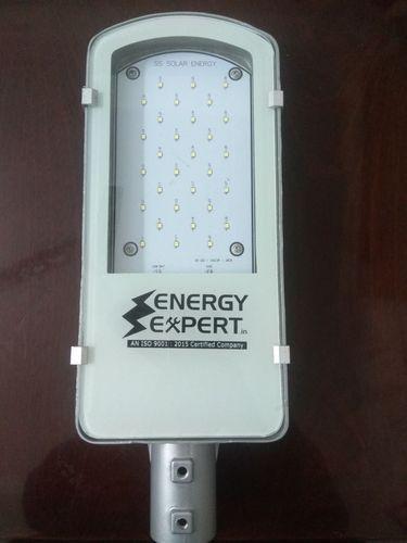Cool White SS Solar 30W AC LED Street Light, IP Rating: IP66