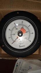 Pressure gauge for bursting strength tester