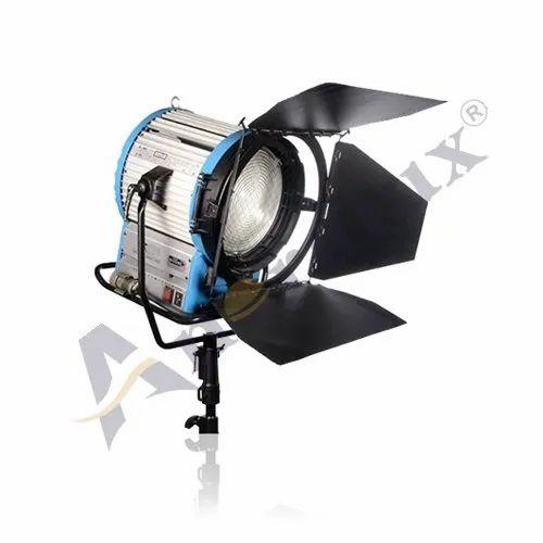 1800 -18 KW Max Par Light