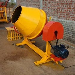 Tilting Drum Mixer Diesel Engine Tilting Drum Concrete Mixer, for Used To Mix Concrete, Drum Capacity: 500 L
