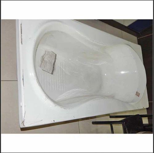 White Somany Sanitary Bath Tub, Kalapna In | ID: 17572499488