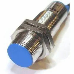 Capacitive M18 Proximity Sensor