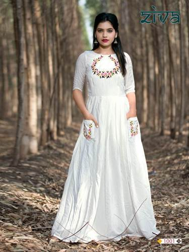 Muslin Silk White Floor Length Gown Rs 1095 Piece Fortune Enterprise Id 20061292948