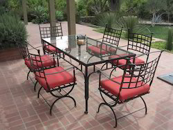 Dining Table & Chairs, Seating Capacity: 6, Size: Custom