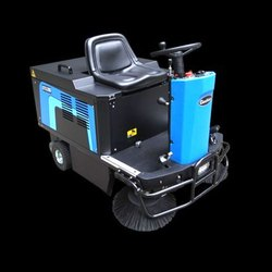 1200 E Battery Operated Rideon Sweeper