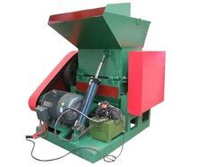 PET Bottle Crusher Machine, Capacity: 100 - 600 Kg Per Hour