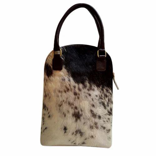 0758ca175b0c Brown And Black Ladies Stylish Leather Handbag