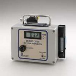 Portable Oxygen Analyzer (Series 3520)