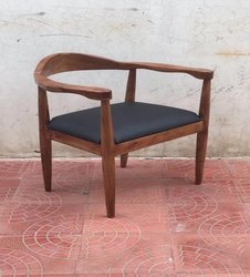 Brown Restaurant wooden dining chair, Size/Dimension: Medium