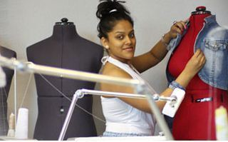 Advance Diploma In Fashion Design Courses In Station Road Visakhapatnam Queenz Institute Of Fashion Id 14829337330