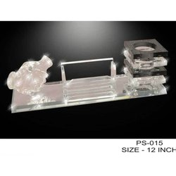 Crystal Hand Penstand