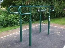 Outdoor Parallel Bar