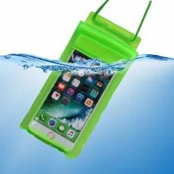 Plastic Plain Sealed Waterproof Mobile Pouch for Rain PVC mobile waterproof cover, Size: 7 Inches