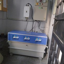 Three Phase Micro controller Servo Voltage Stabilizer for Factory, Capacity: 100 KVA