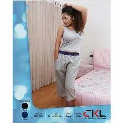 Cotton Plain Designer Stretchable Women Capri, Size: M - XXL