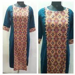 Straight Stitched Rayon Slub Pattern Kurti