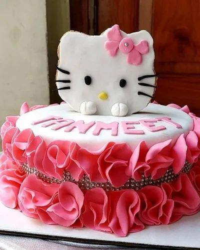 Designer Fondant Cakes And Cookies Manufacturer