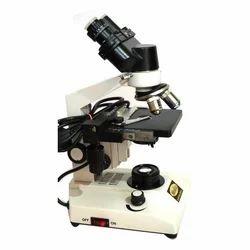 医生实验室显微镜