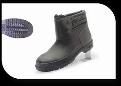 Rainy Boot with Polyvinyl Chloride