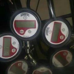 ABS Battery Digital Pressure Gauge (-1 To 1000 Bar)